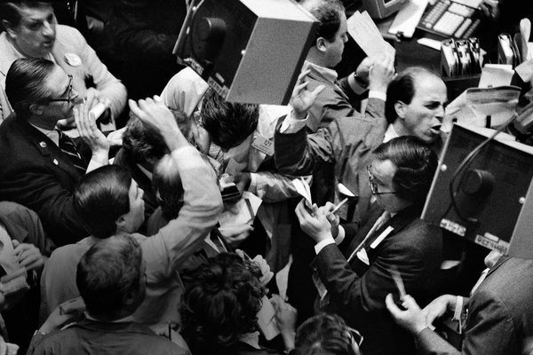 Pánico en la bolsa de New York, año 1987. Jim Wilson/The New York Times.